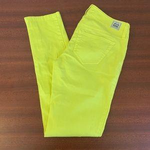 NWOT Diesel Skinny Yellow w/Zippers